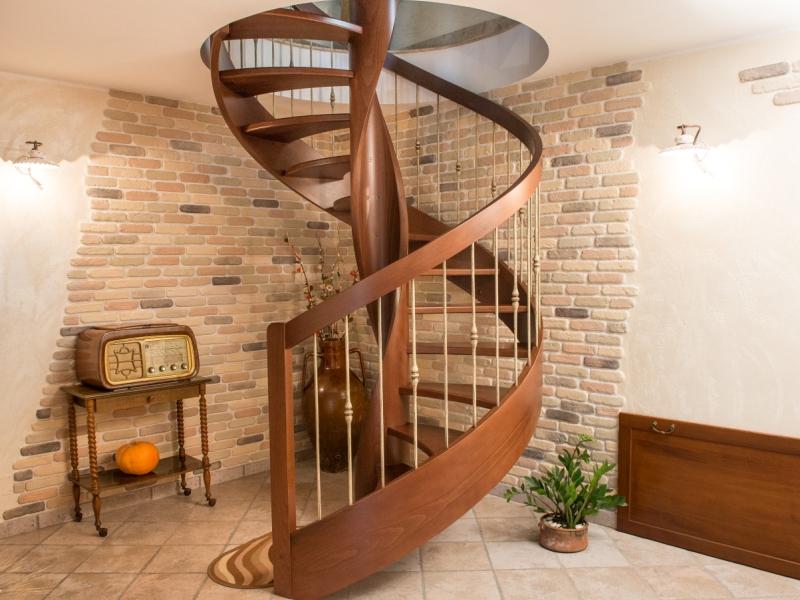 di scale per interni in legno acciaio ferro battuto e vetro, ringhiere ...